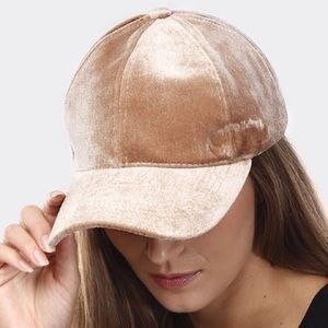 🆕Beige | Velvet Baseball Cap
